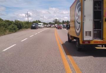 Bloquean la carretera Villahermosa - Frontera