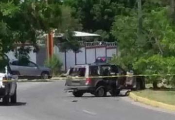 Matan a dos policías mientras comían en restaurante