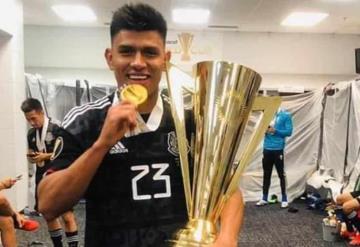 Jesús Gallardo dentro del 11 ideal de la Copa Oro