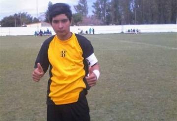Muere portero de 17 años tras recibir balonazo