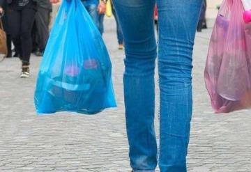 Prohíben uso de bolsas de plástico
