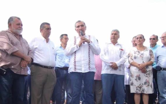 Supervisa gobernador del estado obras de mejora de infraestructura en Jonuta