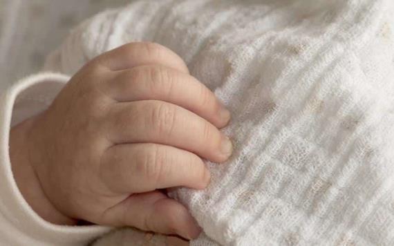 Pareja estrangula a su bebé de 1 día de nacido