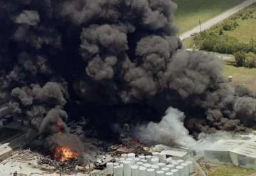 Explosión de refinería deja 37 lesionados