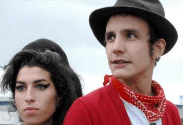 Expareja de Amy Winehouse amenaza con vender pack  de la cantante