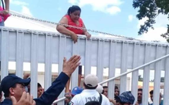 Motín de 400 indocumentados piden retorno a Honduras