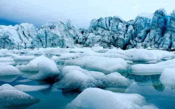 Hallan plástico en el hielo Ártico