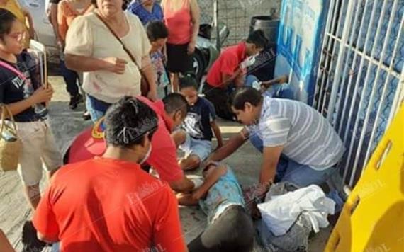 Choque de combi de transporte público deja varios heridos en la Villahermosa-Frontera