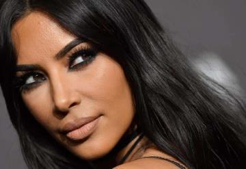 Foto: Kim Kardashian con seis dedos