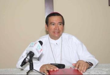Padres de familia apoyen a sus hijos en la educación: Obispo de Tabasco