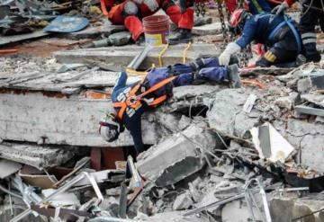 """Video: """"México sigue en pie"""", el corrido inspirado en el sismo del 19 septiembre"""