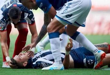César Montes de Monterrey sufre conmoción cerebral durante partido
