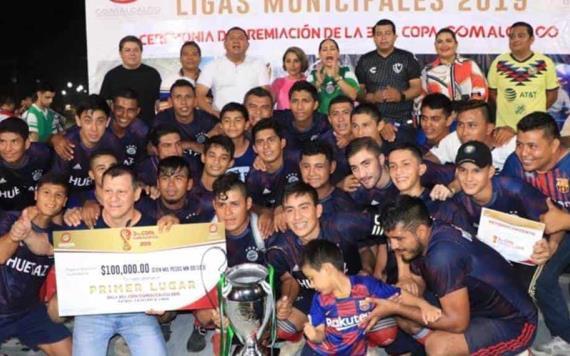 Premia alcaldesa con 100 mil pesos a ganadores de la tercera Copa de Fútbol en Comalcalco
