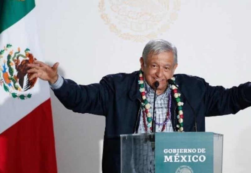 """¡Fuchi, guácala, malas vibras"""" AMLO se hace una limpia en Puebla"""