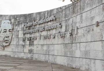Vandalismo arrasa con monumentos en Villahermosa