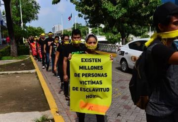 Jóvenes se manifiestan, piden a autoridades combatir la trata de personas