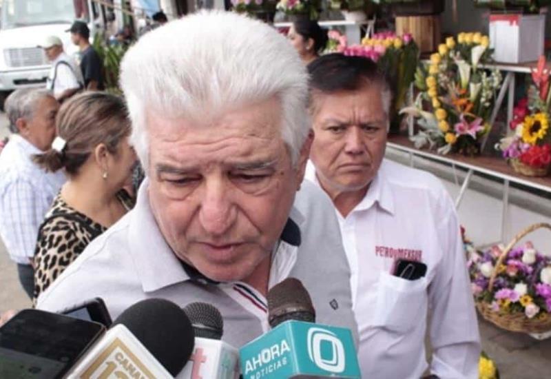 AMLO visitó ayer la bóveda de sus padres en Villahermosa
