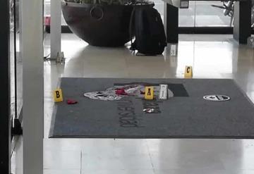 Asesinan a trabajador de plaza comercial