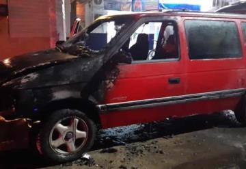 Se incendia camioneta en Gaviotas Sur en el sector Armenia