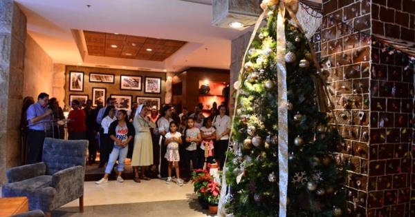 Así se vivió el encendido de árbol de navidad y casita de jengibre en el Hyatt Regency Villahermosa