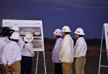 Realiza el presidente de la república recorrido por el terreno de la refinería Dos Bocas en Paraíso