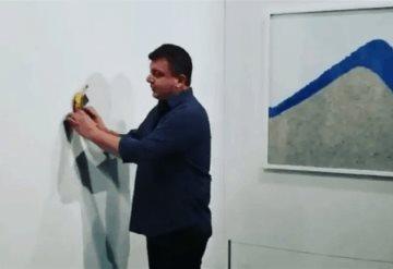 Video: Comen plátano pegado a la pared con valor de 120 mil dólares