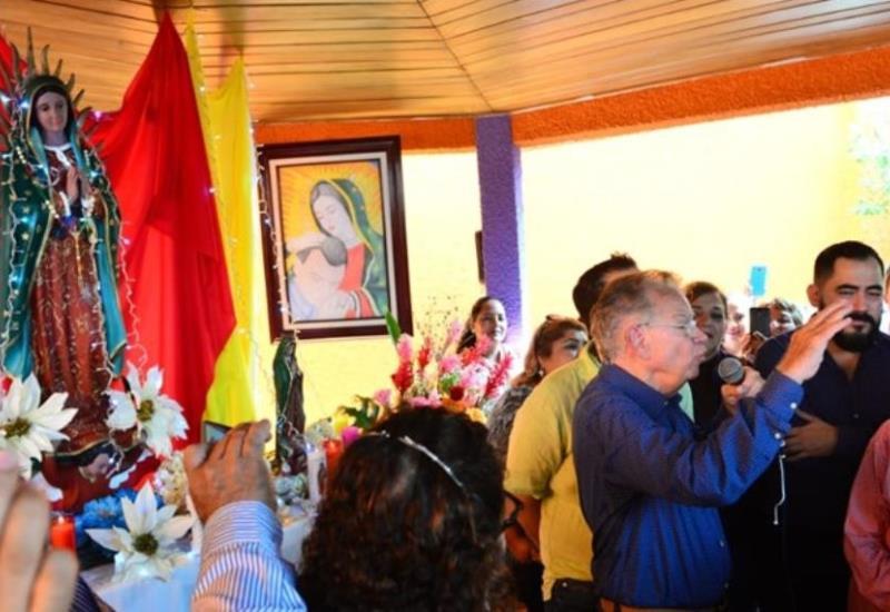 Realiza Granier misa en honor a la virgen de Guadalupe; asisten simpatizantes y amigos