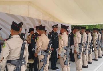 Se gradúan jóvenes en Formación militar