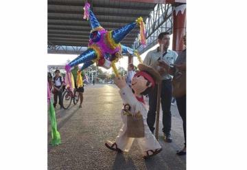Realizan concurso de piñatas navideñas en Cunduacán