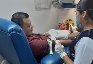Donan sangre legisladores en el Congreso del Estado; invitan a más ciudadanos a donar