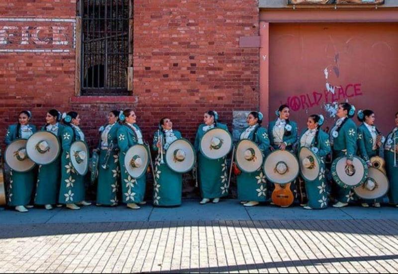 Mariachi Flores Mexicanas: 15 mujeres que le cantan a México y al mundo