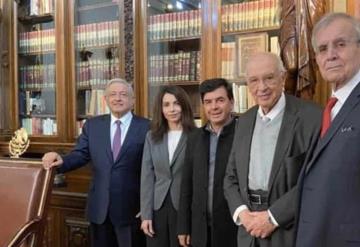 Revisa AMLO avances de la Constitución Moral; la pondrá a consulta ciudadana