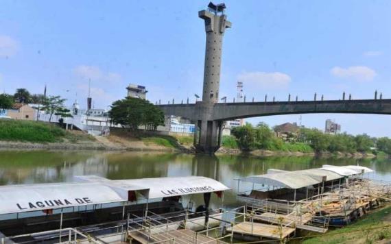 Suspenden servicio de lanchas en pasos pluviales del río Grijalva