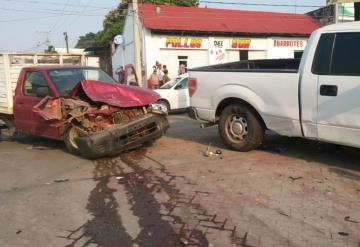 Aparatoso accidente manda al hospital a una persona