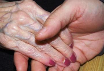 Reportan 8 casos de Covid-19 en la Casa de los abuelos