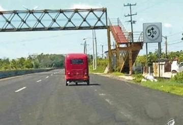 Sin filtros, pochimóviles invaden las carreteras federales