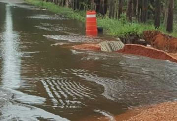 Lluvias continúan afectando las vías de comunicación en Balancán