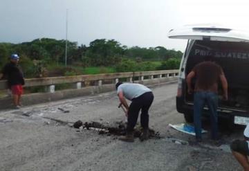 Conductores particulares componen tramos de la vía Jonuta- Frontera en ausencia de autoridades