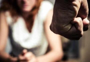 Golpea e intenta matar con escopeta a su pareja