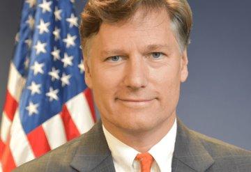 No se olvide de su guayabera, recomienda embajador de EU a AMLO previo a visita a Washington