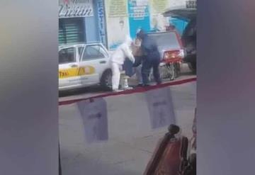 Video: Trasladan en taxi a fallecido por Covid-19 en Tabasco