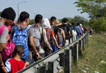 A pesar de padecer covid-19, EU incrementa las repatriaciones de migrantes a México