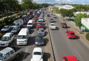 Reducirán carriles por obras del distribuidor vial de avenida Universidad