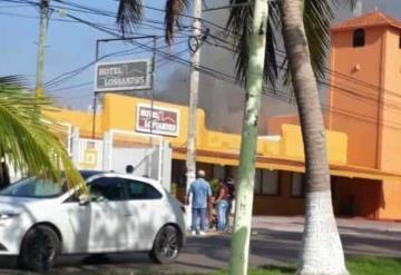 Fuerte incendio deja en ruinas a Hotel Lossandes