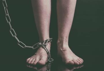 Recatan a menor que se encontraba encadenada en su domicilio