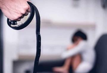 Ya no puedes asustar o cinturonear a los niños, la ley lo prohíbe
