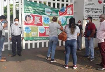 Cesa manifestación de trabajadores y agremiados de Sindicato de la Ujat