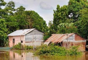 Usumacinta amenaza con inundar primeras casas