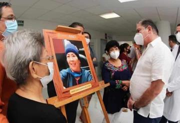 Fernando Mayans encabeza homenaje de 16 trabajadores del ISSET fallecidos por Covid-19