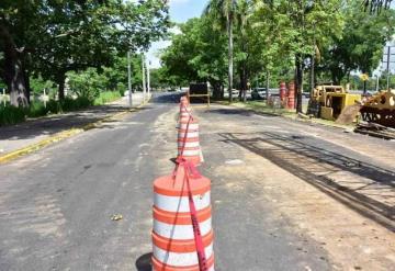 Cierran vialidad en carriles centrales de Ruiz Cortines